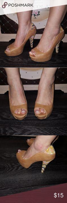 Women's Platform Heels Super Cute Tan with fun print accent Sz.7.5 Man made material Shoes Platforms