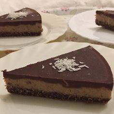 """46 Likes, 8 Comments - Annelies Strauwen (@anneliesstrauwen) on Instagram: """"Salted date caramel chocolat pie.  #nobake #glutenfree #vegan #veganfoodporn #plantbased…"""""""