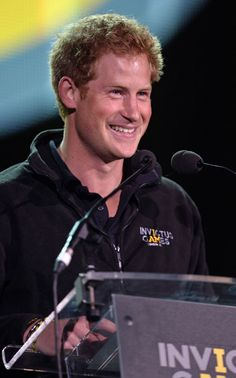 Prince Harry delivers Queen's message at Invictus Games' closing ceremony on eve of his 30th birthday - Photo 1 | Celebrity news in hellomagazine.com