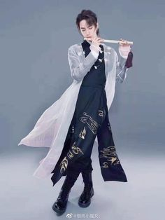 """mari⁷ on Twitter: """"i think its time to talk about this… """" Hanfu, Asian Boys, Asian Men, Creation Couture, Asian Actors, Chinese Style, Handsome Boys, Actors & Actresses, Ideias Fashion"""
