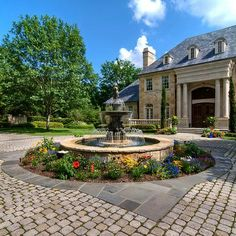 FRAMED WITH A LONG CIRCULAR DRIVEWAY   Curb appeal   Pinterest ...