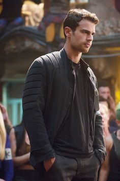 Exclusive: 15 Sexy Theo James Pictures That Will Make You Swear Allegiance to Him Exclusive: 15 Sexy Theo James Pictures That Will Make You Swear Allegiance to Him Theo James Pictures in Allegiant Tris Et Tobias, Tris Und Four, Divergent Theo James, Divergent Fandom, Divergent Series, Divergent Tattoo, Divergent Four, Hunger Games, Tris E Quatro