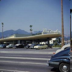 LOS ANGELES / HOLLYWOOD: Tiny Naylors, Sunset Boulevard & La Brea Avenue, ca. early 1950's.