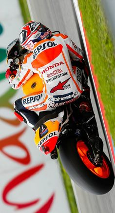 """ Marc Marquez ~ 93 "" Street Motorcycles, Racing Motorcycles, Marc Marquez, Course Moto, Biker Love, Motorcycle Racers, Speed Racer, Valentino Rossi, Super Bikes"