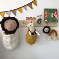 16 Genius Stuffed Animal Storage Ideas for Cleaner Kids' Rooms – Monkey Stuffed Animal Boho Nursery, Nursery Decor, Nursery Storage Baskets, Baskets On Wall, Wall Basket, Hanging Baskets, Wall Hanging Storage, Diy Hanging, Stuffed Animal Storage