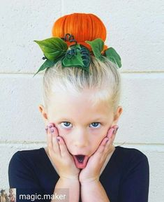 Halloween Hairstyles The perfect pumpkin bun! The post Halloween Hairstyles appeared first on Haar. Crazy Hair For Kids, Crazy Hair Day At School, Crazy Hair Days, Crazy Day, Crazy Hair Day For Teachers, Crazy Hair Day Girls, Holiday Hairstyles, Cool Hairstyles, Halloween Hairstyles
