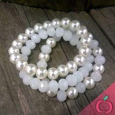 Pérolas e cristais brancos, linda combinação. Peça já o seu conjunto…