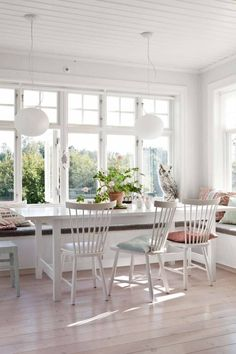 I'm a sucker for this fine looking photo Sunroom Dining, Dining Table, Dinner Room, House With Porch, Kitchen Remodel, Outdoor Furniture Sets, New Homes, House Design, Interior Design