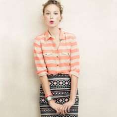 Hallie Silk Shirt and coral striped shirt Cute Fashion, Look Fashion, Womens Fashion, Skirt Fashion, Muster Mix Outfits, Mélanger Les Impressions, Looks Style, Style Me, Vintage Tops