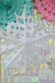 Abanicos de papel en blanco foto de Hostess with the Mostess® - Disney's Frozen http://www.fiestafacil.com/