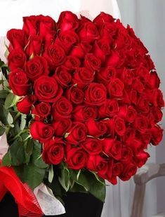 Long Stem Red Preserved Roses Luxury Bouquet In Glass Vase Our Flower Bouquets are perfect for the Beautiful Rose Flowers, Amazing Flowers, Beautiful Flowers, Romantic Roses, Rosen Arrangements, Flower Arrangements, Happy Birthday Flower, Red Rose Bouquet, Flower Bouquets