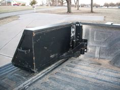 Swing Out Toolbox - Homemade swing out toolbox constructed from angle iron, bar stock, tubing, and a pivot. Truck Bed Tool Boxes, Truck Bed Storage, Truck Tools, Tool Wall Storage, Farm Trucks, Cool Trucks, Truck Flatbeds, Pickup Trucks, Homemade Swing