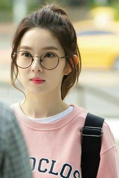 Just another cliche story. Petty Girl, Red Velet, Pretty Korean Girls, Ulzzang Korean Girl, Red Velvet Irene, Rv, Aesthetic Pictures, True Beauty, Thing 1