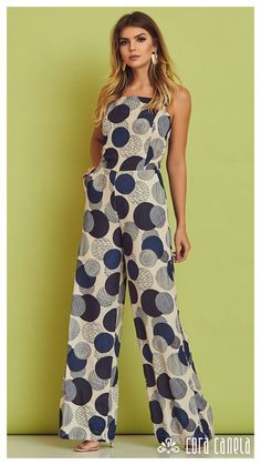 Swans Style is the top online fashion store for women. Shop sexy club dresses, jeans, shoes, bodysuits, skirts and more. Chic Outfits, Fashion Outfits, Mode Chic, Jumpsuit Outfit, African Fashion Dresses, Vogue Fashion, Overall, Jumpsuits For Women, Ideias Fashion