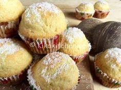 I muffin al cocco sono dei deliziosi dolcetti aromatizzati al cocco. Una ricetta semplice e veloce per ottenere dei muffin alti e soffici. Sweet Recipes, Cake Recipes, Snack Recipes, Dessert Recipes, Cooking Recipes, Snacks, Baking Muffins, Mini Muffins, Coconut Flour Recipes