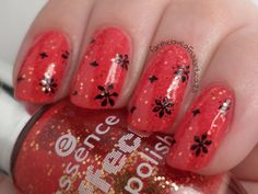 The Lacquer Ring: Red Glitter (Essence's Heart Explosion) stamped with design from MoYou London's Zodiac Collection 09