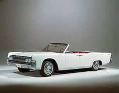 I love the openness of a panoramic view. Here's a classic Lincoln convertible that had the right idea when it came to windows-down.