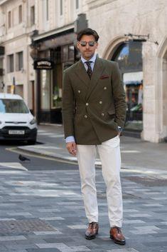 Model Johannes Huebl wears a Marc Anthony suit, Isaia tie, Santoni. Gentleman Mode, Modern Gentleman, Gentleman Style, London Fashion Week Mens, Mens Fashion, Cool Street Fashion, Street Style, Mode Outfits, Fashion Outfits