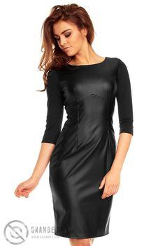 Sukienka ze skóry przed kolano