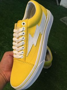REVENGE x STORM joint lightning VANS KANYE brother produced a foreign fried street section! Europe and the United States big star domestic star feet, kanye brother brand Revenge X Storm Old Skool lightning canvas shoes yellow 9 #Vans