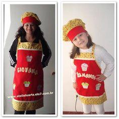Lindo kit para mãe e filha usarem juntas na cozinha. <br>Composto por : 1 avental adulto <br> 1 avental infantil <br> 1 chapéu mestre cuca adulto <br> 1 chapéu mestre cuca infantil <br> <br>Você pode personalizar como você deseja. <br>Confeccionado em tecido oxford.