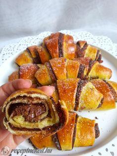 Kipróbált Nutellás kifli recept egyenesen a Receptneked.hu gyűjteményéből. Küldte: Veronica's Cake