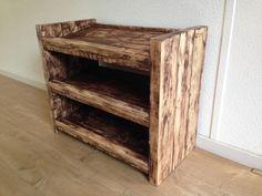 Display made of pallet wood