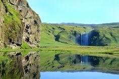 スコゥガフォスの滝 アイスランド