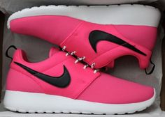 Girls' / Women's Pink Nike Roshe Run