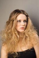 Extrem zerzauste Haare im Undone-Look