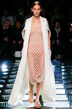 Balenciaga Spring 2015 Ready-to-Wear - Details - Gallery - Style.com