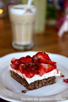 Sachen die glücklich machen: Erdbeeren auf Schokoboden mit Quark-Sahne Füllung