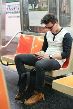 Casual. Brown boot. Black jean.