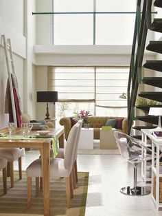 Jurnal de design interior - Amenajări interioare : Amenajare practică într-un miniloft de 65 m²