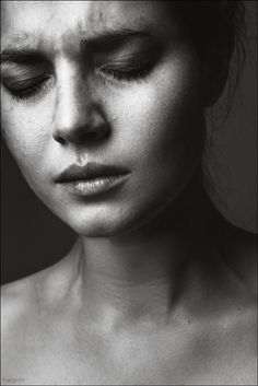 Trendy Black And White Photography People Feelings Art Ideas Emotional Photography, Face Photography, Photography Women, Black And White Portraits, Black And White Photography, Fall Inspiration, Emotion Faces, Emotion Art, Expressions Photography