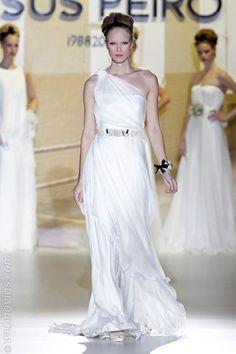 Vestidos de inspiración griega http://smilelit.com/