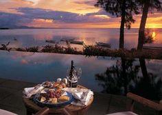 A romantic private dinner at Oberoi, Mauritius