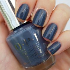 Let your fingers do the talking in this steely gray manicure by Preen.Me VIP Erika created using her gifted OPI Infinite Shine 2 Nail Lacquer in The Latest and Slatest. Lock it to perfection for #11DaysStrong with the new OPI Infinite Shine ProStay Primer and Gloss.
