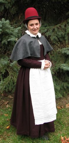 16th Century Common woman gown with Mantellino-Belphoebe's Web Page