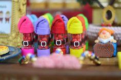 Olha que amor esta Festa Branca de Neve!!Imagens da Mamãe Liana de Sá.Lindas ideias e muita inspiração.Bjs Fabíola Teles.Mais ideias lindas:Decoração: Mamãe Liana de Sá.Fotografia: E...