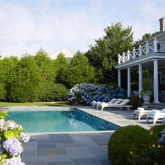 Blue Paradise: Blissful Pool Areas - Traditional Home