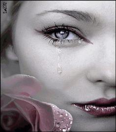 eu chorei cinquenta mil lagrimas por você mais nem isso foi o suficiente pra você perceber  o quanto mim sinto o quanto gostaria que você notasse que eu existo...