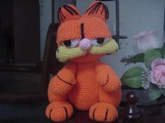 Princesa Celestia Amigurumi * My Little Pony Crochet Food, Crochet Hats, Amigurumi Patterns, Crochet Patterns, Spongebob, My Little Pony, Free Pattern, Hello Kitty, Dog Cat
