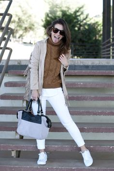 http://www.theguestgirl.com/2016/03/white-jeans-outfit-casual-day/ #outfit #casual #denim #white #jeans #jennyfer #style #fringed #ralphlauren #ralph #lauren #style #chic #beauty #hair #inspo #wearing #ootn #ootd #pieces #sunglasses #bag #radikalvip #theguestgirl #blogger #streetstyle #today #newin