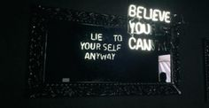 Here Not There - I neon a doppio senso di Camilo Matiz | Collater.al
