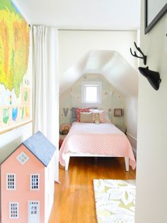 Violet's Bright and Airy Space Kids Room Tour | Apartment Therapy