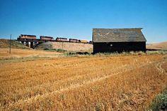 Railroad Photography, Art Photography, Milwaukee Road, Train Pictures, Model Train Layouts, Model Trains, Locomotive, House Styles, Washington