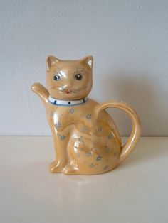 Lustreware Vintage 1950s porcelain Cat Teapot by TheLuckyFox on Etsy
