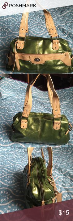 Metallic green and tan purse Great metallic and green bag. Great for fall. Relic Bags Satchels