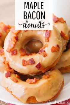 Maple Bacon Donuts - Soft and fluffy donuts topped with a sweet maple glaze and savory bacon crumbles. So easy to make and ready in just 30 minutes! Maple Donut Glaze, Maple Bacon Donut, Baked Donut Recipes, Baked Donuts, Savory Donuts Recipe, Doughnuts, Healthy Donuts, Delicious Donuts, Yummy Food